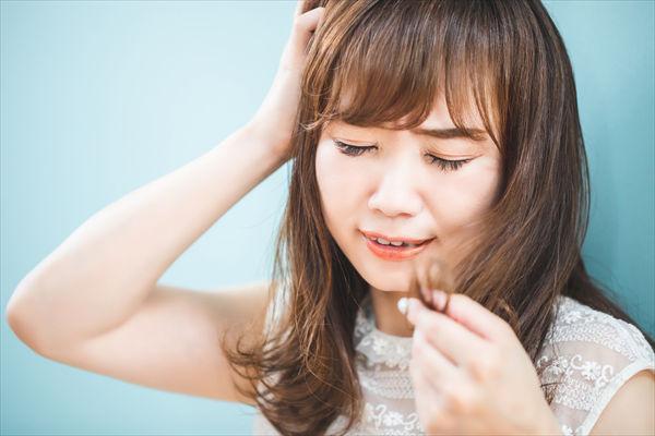 頭をかくと白髪が増える 意外な理由が原因になってるかも Re 黒髪